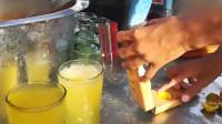 印度街头超火的冰镇柠檬汁,老板现做现卖,看着就很解暑