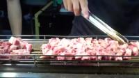 台湾小吃:火焰骰子牛肉,安格斯牛肉烤得鲜嫩多汁