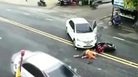 监控:大货车把刹车踩到冒烟,也没能救下这辆闯红灯的电动车!