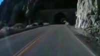 灵异事件:刚出隧道就掉进山崖,监控拍下恐怖全程!