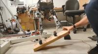 机器人怎么保持平衡的,看似几个简单的动作,做出来却不容易