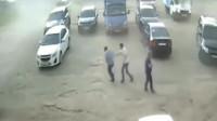 3名男子死的太惨了,监控拍下他们生命最后几秒!