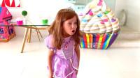 萌娃小可爱去到了一家很邋遢的冰淇淋店,萌娃:完全没食欲了,真是太让我失望啦!