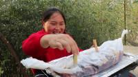 胖妹做纸包鱼,不加1滴水,却汤浓味美,鱼肉吃起来那叫一个鲜