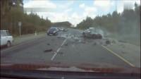 活了一辈子没见过这么惨烈的车祸,要不是监控,根本难以置信