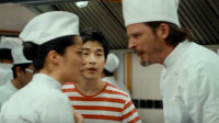 厨师团队发生内讧,厨房一片狼藉,按时交出参赛作品成了难题!