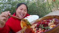 胖妹做水煮鱼,鱼片煮15秒立刻出锅,肉质滑嫩鲜香,大口吃很诱人