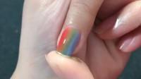 用海绵就能做出来的彩虹色美甲造型,太好看了!