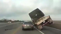 大货车即将侧翻,司机临危不乱,一套神操作助其躲过一劫
