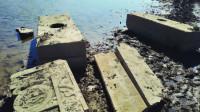 江苏发现藏在河底的古墓,专家抽干河水,墓主人竟然是李云龙!