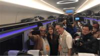 坐习惯英国高铁的富豪,进入中国高铁站直呼:真不是发达国家?