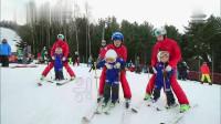 民国和老师滑雪,希望速度快点,爸爸滑雪太快吓到哈尼