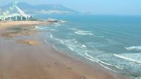 夏日青岛海边美景,夏天值得一去的避暑胜地,红瓦绿树碧海蓝天