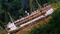 为了在热带雨林建歌剧院,他把轮船拉上了山,冒险片《陆上行舟》