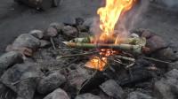 冒险 露营 旅行 林中生活 制作勺子
