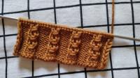 让我们心动的棒针花样,铜钱花的编织教程,很适合编织各种类型的毛衣款式