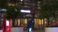 共度晨光 2019  荷兰:购物街发生持械袭击 三名未
