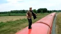 富贵列车:吴耀汉走出的步伐那叫一个稳,真是让人羡慕不已!