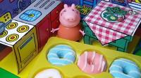 乔治的甜甜圈总被偷吃,猪妈妈给小偷做了假的甜甜圈,小偷要倒霉了!