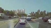 又是女司机,要不是监控拍下,都不知道汽车是咋飞起来的