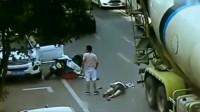 电动车女子被大货车碾压身亡,要不是监控拍下,司机有理也说不清