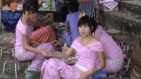 中缅边境:每天进出的缅甸小姐姐是卖什么的?说了你可能不信