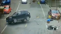 """电动车男子死的""""太冤""""了,这名女司机是故意的吗?(1)"""