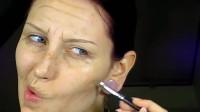 神奇的化妆术,妹子秒变70岁老太,看着好逼真!