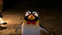 贝肯假扮木乃伊,吓坏了公企鹅