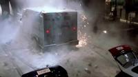 影视:盗取价格2700万美元的金砖后开迷你车逃跑,直升机都没追上