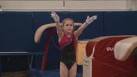 8岁小萝莉跳体操,不要太养眼了,以后光颜值都可虏获一片粉丝