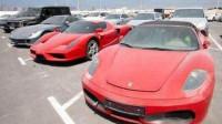 迪拜最大豪车聚集地,百万豪车随处可见,7万元当废铁卖无人问津