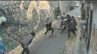 6名男子抢劫女子,要不是监控,打死都不相信女子这么厉害!