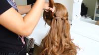 30多少的女人不知道怎么扎头发,就这样扎,简单好看气质美