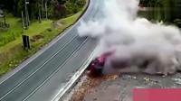 灵异事件:死亡转点!只要大货车经过这里车毁人亡,监控拍下诡异5秒!