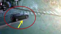 司机左转不礼让,5秒后惊险发生,监控全拍下!