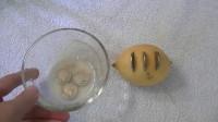 老外用柠檬酸液腐蚀硬币,几小时后会怎样?见识到它的厉害了