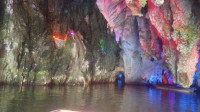 房车贵州旅行,龙宫景区龙门飞瀑,真是天下奇迹,大自然鬼斧神工,地下暗河宝殿,坐着小船进龙宫