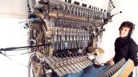 特殊机械乐器,靠2000个钢珠演奏音乐,堪称一个人的乐队