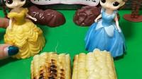 贝儿不愿意和白雪共享玉米,一半好的一半糊的,大家支持谁吃糊的呢?