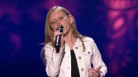 【2019美国达人秀】12岁小歌手再次被评委打断,要求清唱