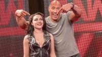 巨石强森加盟!《为家而战》揭秘WWE幕后猛料!猛男就是维密超模!