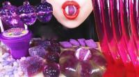 美女吃一桌梦幻的紫色甜点大餐,瞬间被紫色俘虏陷入梦幻,网友:陶醉了