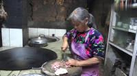 农村四哥:王四老妈做鱼香肉丝, 做法简单一学就会,老爸吃了直夸好