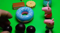乔治太任性了,想吃甜甜圈非要和佩奇换,没想到是假的亏大了!