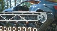 战斗民族的改装车,给价值几百万的宾利安装坦克履带