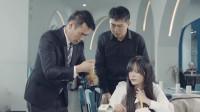 陈翔六点半:女顾客吃到鱼刺大闹餐厅,怕事经理只能砸钱解决!