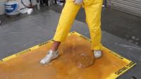 捕鼠胶能粘住一个人吗?用十几桶胶实测,踩上去不对劲了!