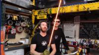 如何制作星战光剑?老外将钨加热至2000度,瞬间技能满点