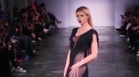 时装秀:超模小姐姐身穿黑纱裙,低调唯美!